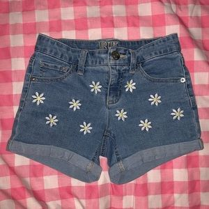 Justice Girl's Embroidered Daisy shorts size 10